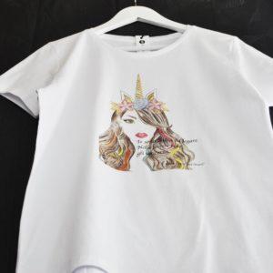 """T-shirt con stampa """"unicorni"""""""