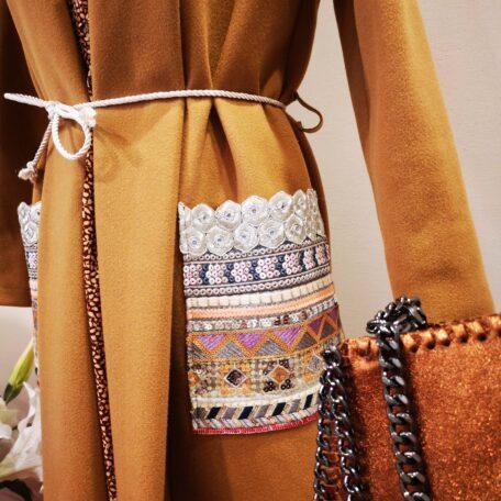 cappotto con tasche ricamate (3)