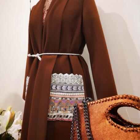 cappotto tasche ricamate marrone (1)